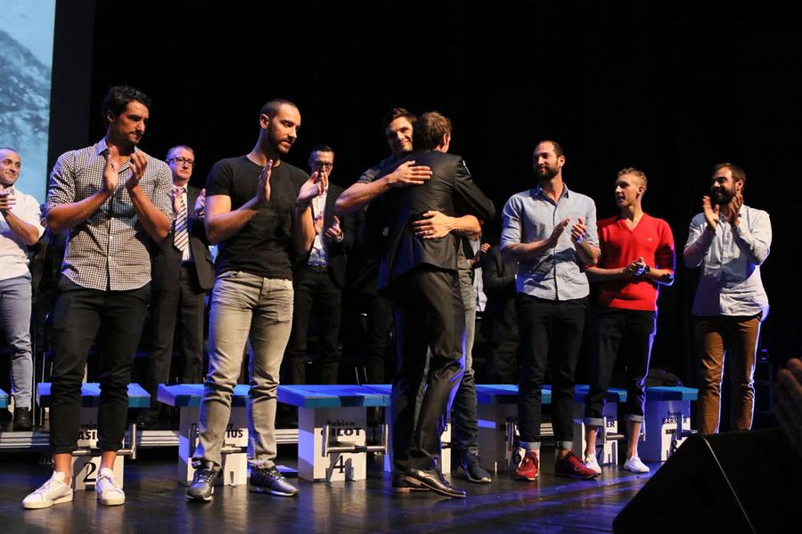 A la fin de son discours, Fabien Gilot a salué individuellement ses amis