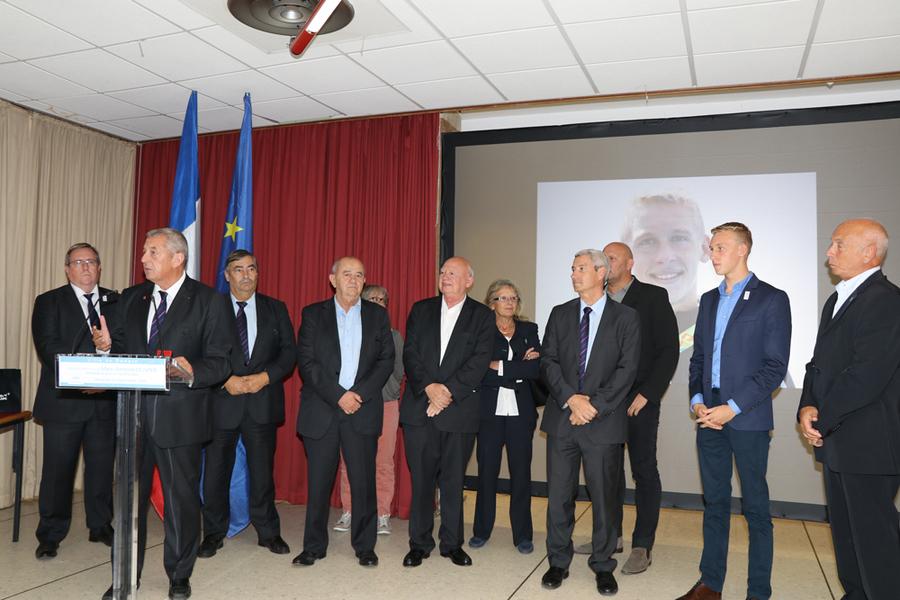 Marc-Antoine Olivier a reçu la médaille d'or de la Fédération Française de Natation