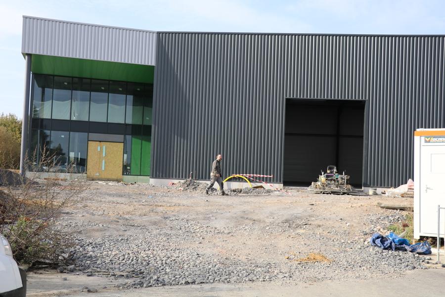 GOBERT :  Le chantier de l'entreprise Gobert Menuiserie. Parc d'activité de l'Ecaillon. Thiant.