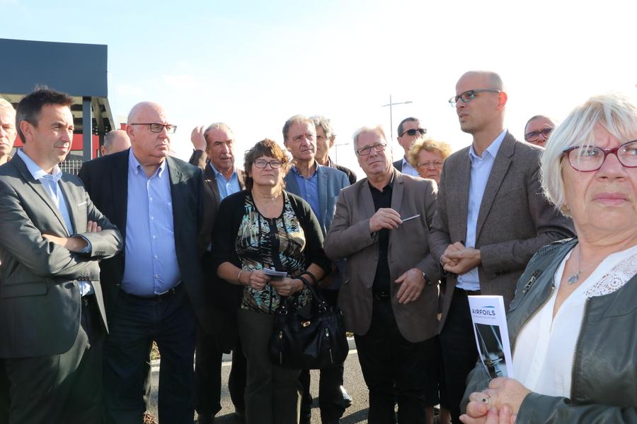 SAFRAN : 2-Le chef de projet Thomas Grosclaude (2e à droite), explique le chantier