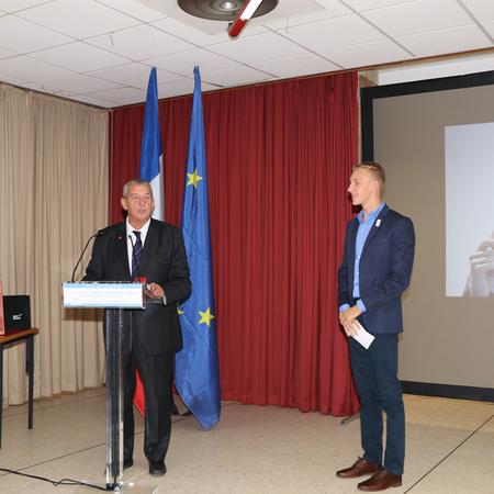 Marc-Antoine Olivier et le président de la Fédération Française de Natation