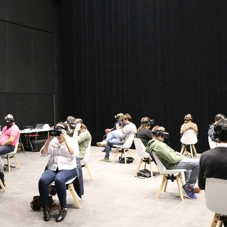 Des séances de cinéma en réalité virtuelle ont été proposées aux visiteurs.