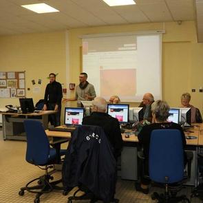 Les Espaces Numériques de Proximité proposent des ateliers pour tous.